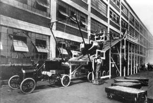 Fließbandarbeit bei Ford